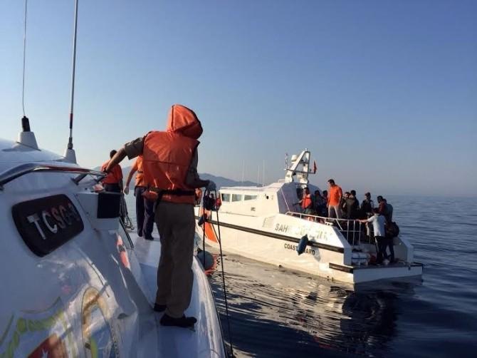 Ege Denizi'nde Bin 876 Kaçak Göçmen Kurtarıldı