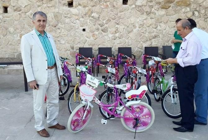 Mardinli Çocukların Bisiklet Sevinci