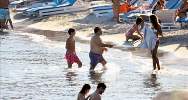 Plajda klip provası