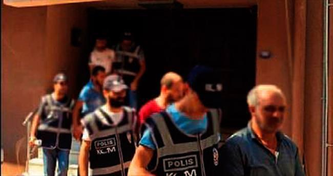 İnsan kaçakçısı 6 kişi tutuklandı