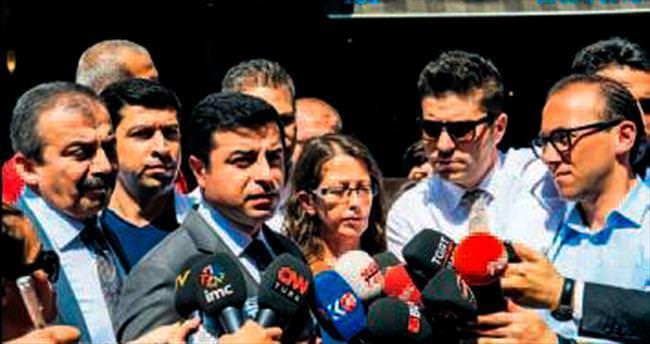 Uçaklar Kandil'i vurdu Demirtaş'ın dili yumuşadı