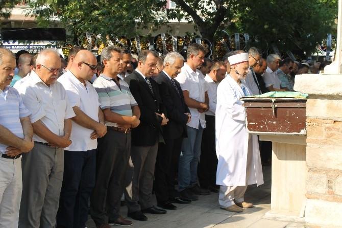 Aydın Baro Başkanı Gökhan Bozkurt'un Babası Söke'de Toprağa Verildi