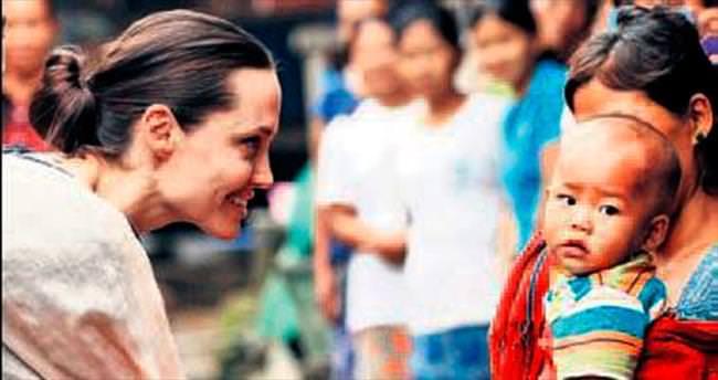 Angelina Jolie Myanmar'da