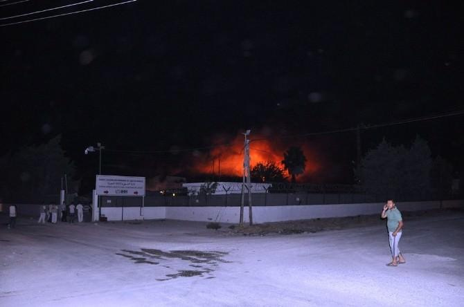 İHH Reyhanlı Lojistik Merkezinde Büyük Yangın