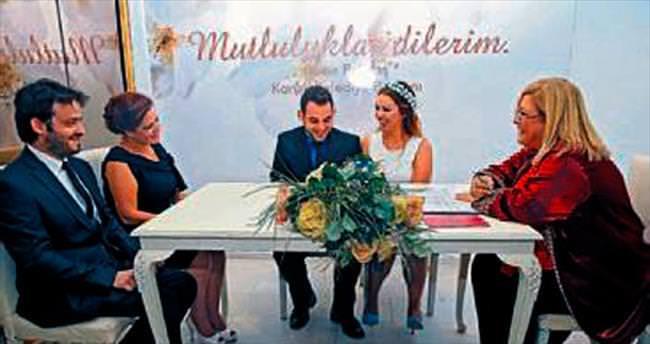 Fuar Evlendirme Dairesi evleneceklerin gözdesi
