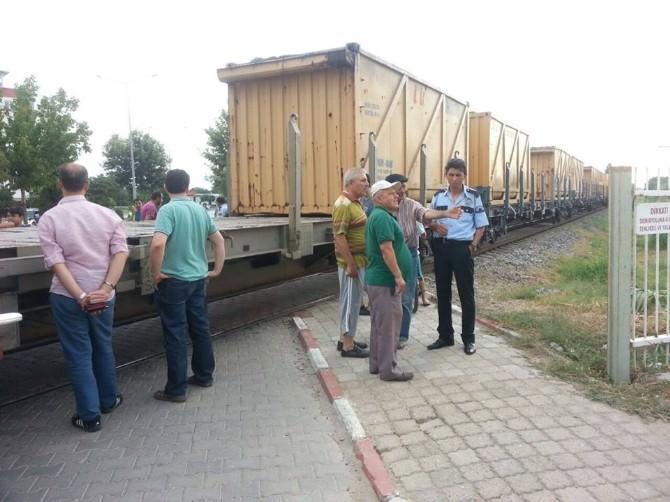 Nazilli'deki Tren Kazasında Bir Çocuk Ölümden Döndü