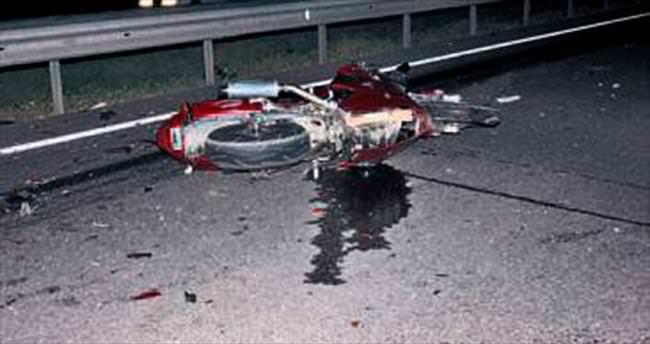 Vince çarpan iki motoksikletli öldü