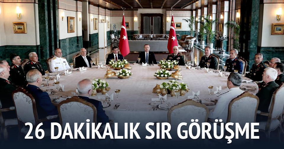 Cumhurbaşkanı Erdoğan, Davutoğlu ve Özel ile görüştü