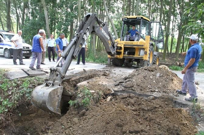 Akyazı'da Alt Yapı Çalışmaları Sürüyor