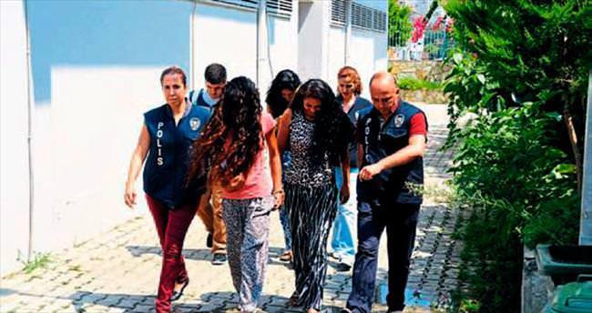 Hırsızlık yapan kadınlar yakalandı