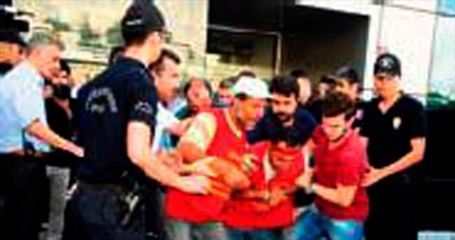 CHP'deki zincirli eyleme müdahale