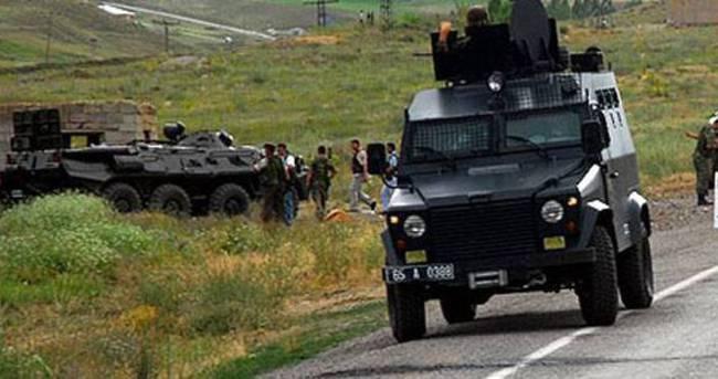 Askeri aracın geçişi sırasında patlama!
