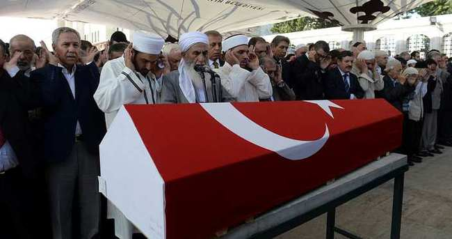 Said-i Nursi'nin talebelerinden Özcan, son yolculuğuna uğurlandı