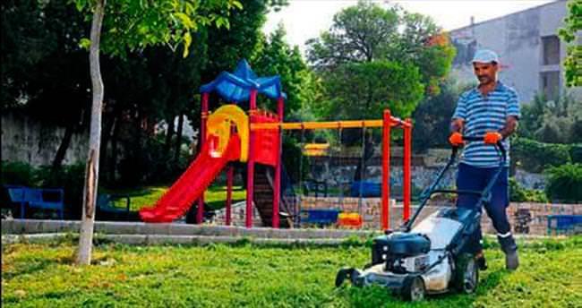 Buca'daki parklar gönüllülere emanet