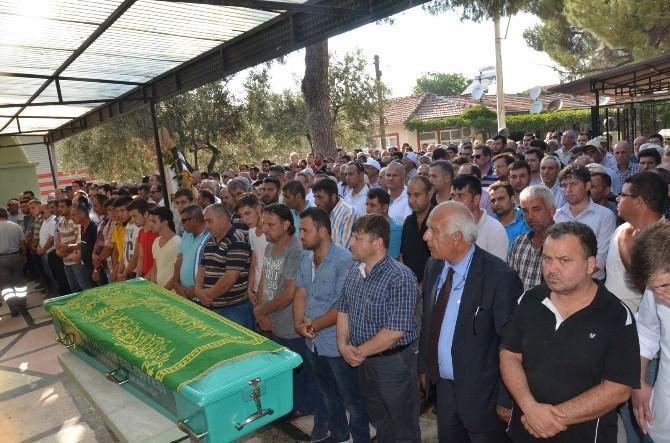 İzmir'de Viyadük İnşaatında Enkaz Altında Kalarak Hayatını Kaybeden İşçi, Son Yolculuğuna Uğurlandı