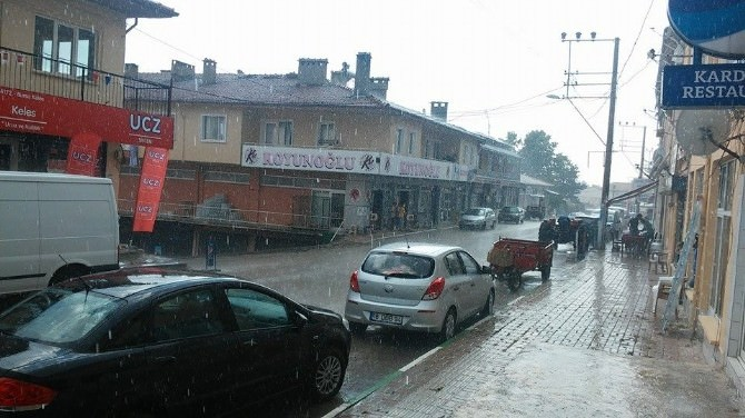 Kelesliler Yağmura Hazırlıksız Yakalandı