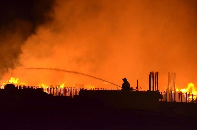 İzalosyon Fabrikası İnşaatında Büyük Yangın