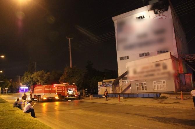 Alevler Fabrikayı Sarınca İşçiler Ölümden Döndü