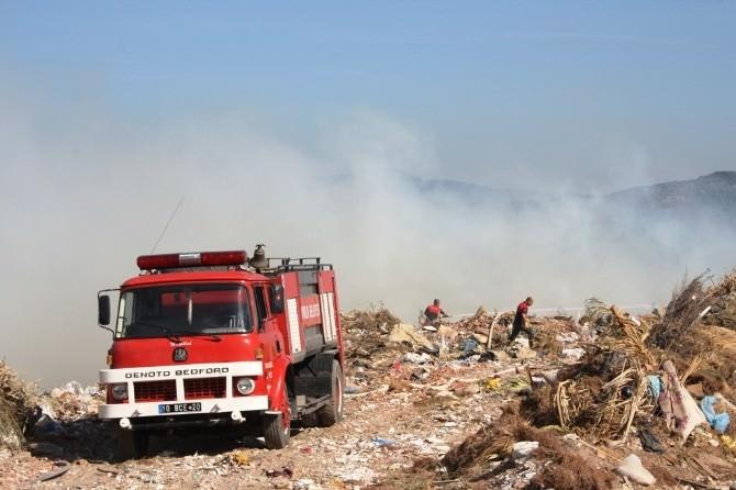 Ayvalık'ta Çöplük Yangını Az Daha Hatıra Ormanını Yok Ediyordu