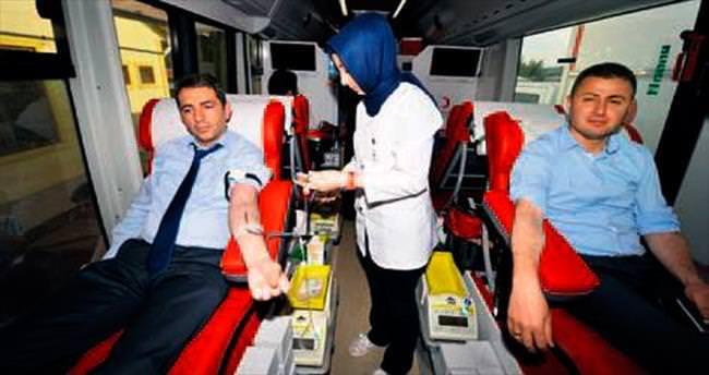 EGO şoförlerinden Kızılay'a kan bağışı