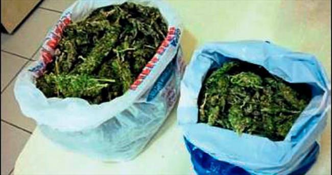 İzmir'de uyuşturucu satıcılarına darbe