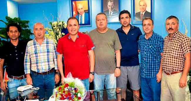 Adanalı spor gazetecileri Demirspor'u ziyaret etti