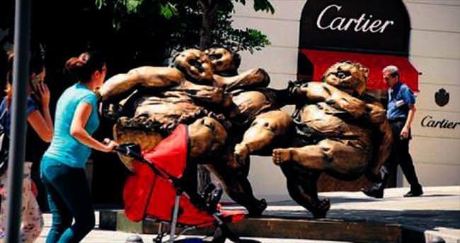 Şişman güzeldir heykelleri İstanbul'da