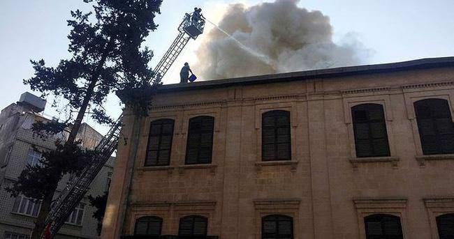 Kilis'te tarihi konakta korkutan yangın