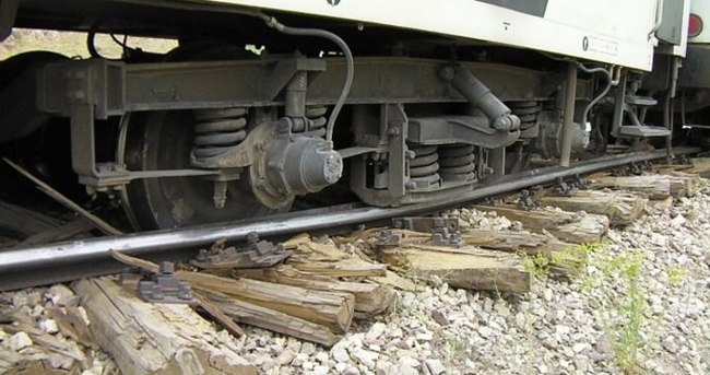 Trene bombalı saldırı