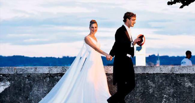 İki düğün beş gelinlik ve bir moda masalı
