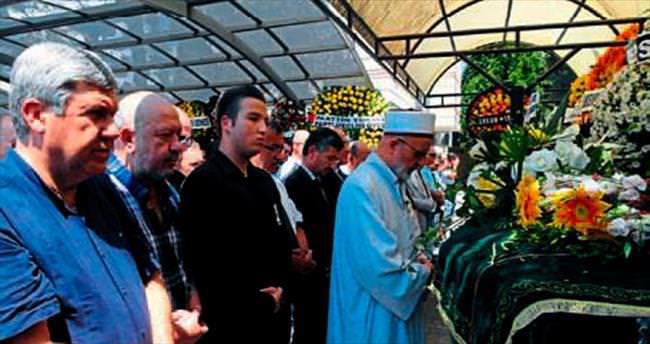 Bekir Pehlivanoğlu dualarla uğurlandı