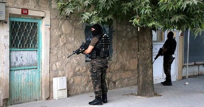 Diyarbakır'da terör örgütü operasyonu: 7 gözaltı