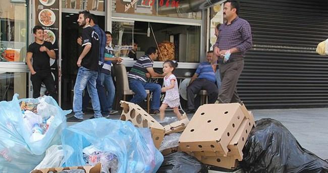 Hakkari sokaklarında çöp yığınları oluştu