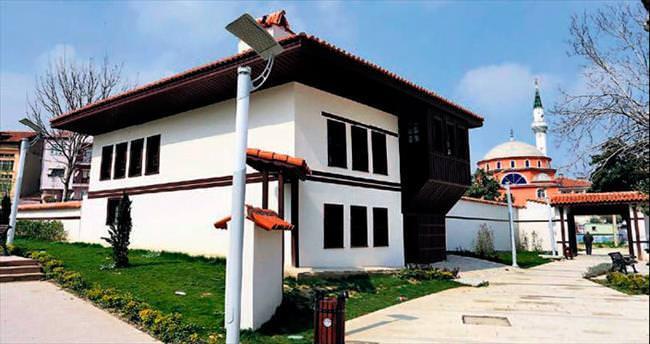 Denizli'de tarihi evler yeniden hayat buluyor