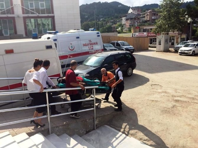 Fatsa'da Trafik Kazası: 8 Yaralı