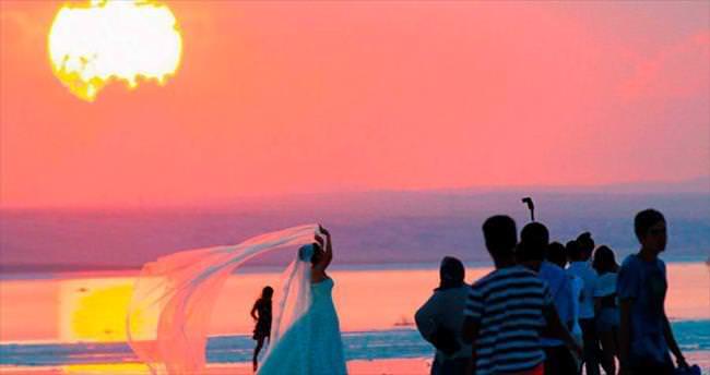 Tuz Gölü'nde aşk başkadır