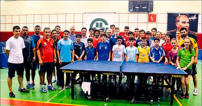 Kuveytli masa tenisçiler Adana'da kamp yapıyor