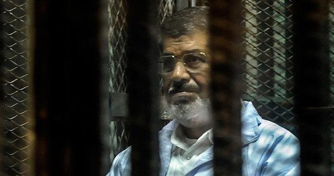 Mursi'den cezaevinde zehirlendiği iması