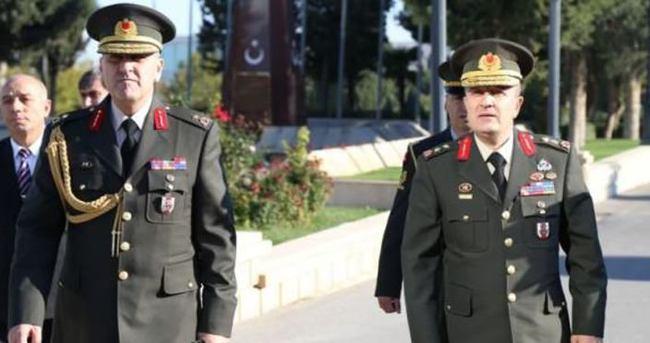 Türk komutana Azerbaycan'dan madalya