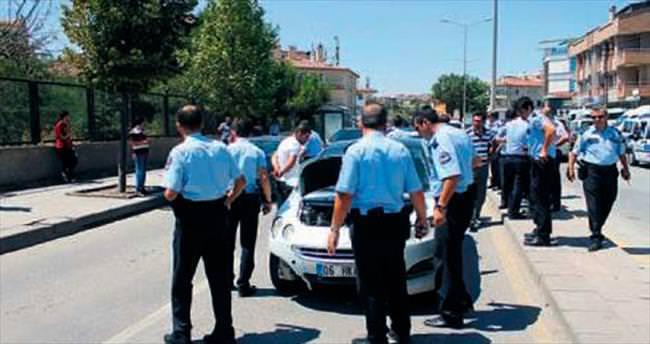 Şüpheli araç polisten üçüncü kez kaçamadı
