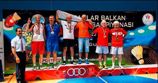 Veteranlar Badminton turnuvası