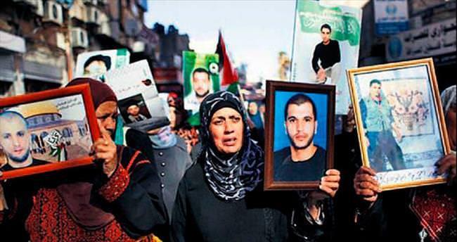 180 Filistinli mahkûm İsrail'de açlık grevinde