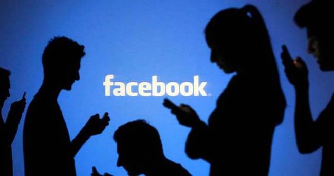 """Facebook'ta en çok """"Haha"""" kullanılıyor"""
