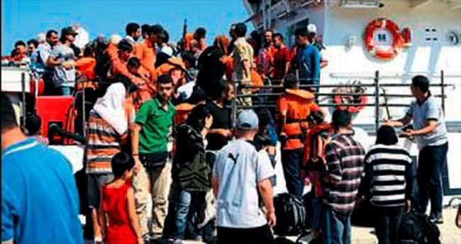 Çeşme açıklarında 330 kaçak yakalandı