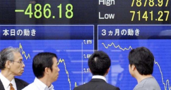 Asya borsaları Çin devalüasyonuyla sert düştü