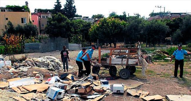 Tarsus'ta zabıtadan 'temizlik' operasyonu