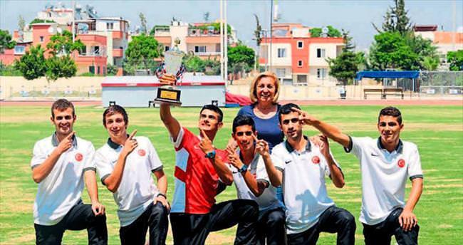 Liseli şampiyonlar