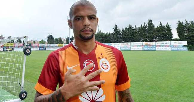 Melo iki yıl daha Galatasaray'da