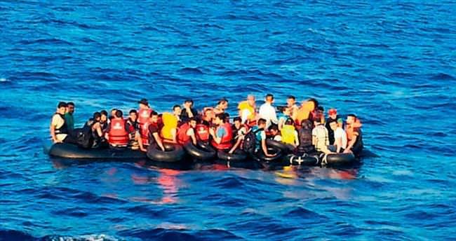 Ege kıyıları göçmen kaynıyor