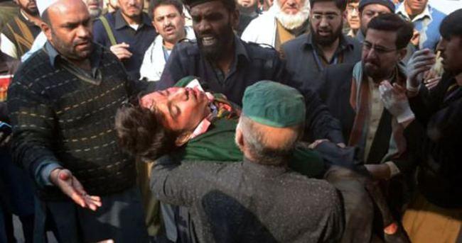 Pakistan'da okul saldırganlarına idam cezası